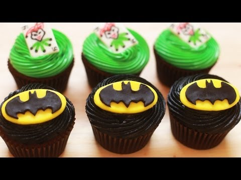 HOW TO MAKE BATMAN CUPCAKES - NERDY NUMMIES