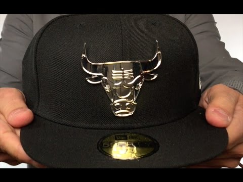 Bulls 'SILVER METAL-BADGE' Black Fitted Hat by New Era