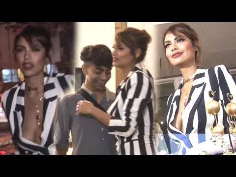 Xxx Mp4 Esha Gupta Show At Launch Of Mrinalini S Candy Crush Jewellery Bollywood Events 3gp Sex