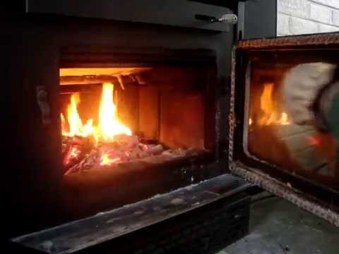 How to quickly and easily clean glass on a wood stove