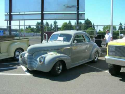 Eugene, Oregon Antique Car Show sponsored by Autobahn Imports.