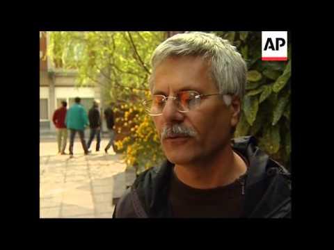 Asylum seekers occupy churches