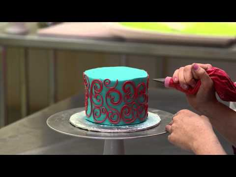 The White Flower Cake Shoppe: How to pipe scrolling with buttercream