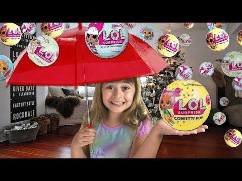 Christmas Morning Vlog - Raining LOL Surprise Dolls, A BIG Present & Reindeer Tracks.