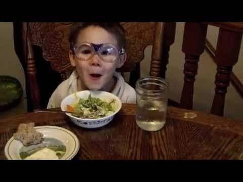 WHAT MY  KIDS ARE EATING FOR DINNER~ A RAW LIFESTYLE