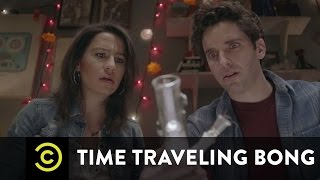 Time Traveling Bong - Puff, Puff, Past