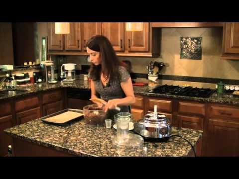 How to Make a Gluten-Free Raw Vegan Brownie Dessert