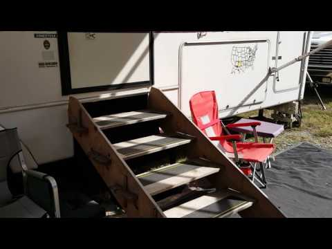 Easy to Make Portable Stairs for Travel Trailers