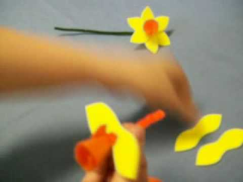Daffodil Flower by OneMinuteCrafts.com