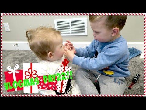 High Five For Christmas!! VLOGMAS DAY 22!!