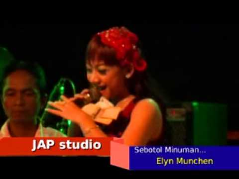 Ellyn Munchen_ Sebotol Minuman _FAMILYS 12-01-14 Parigi