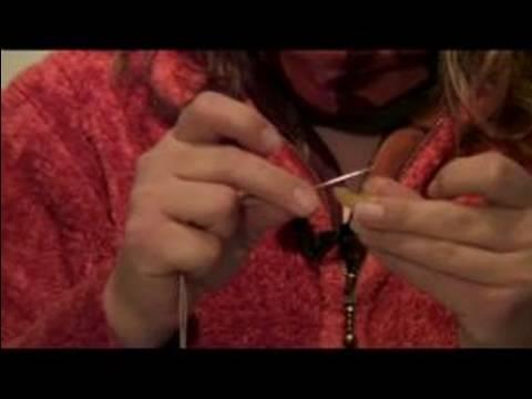 How to Make Pasta Christmas Garlands : Picking Wool for Crooked Pasta Christmas Garland