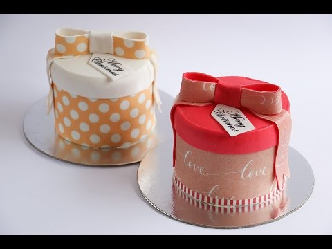 Mini Gift Box Cakes Decorated With Icing Sheets- Rosie's Dessert Spot