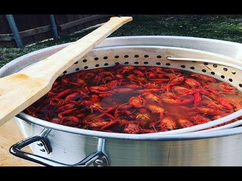 How to boil crawfish: step-by-step Louisiana Cajun crawfish boil tutorial