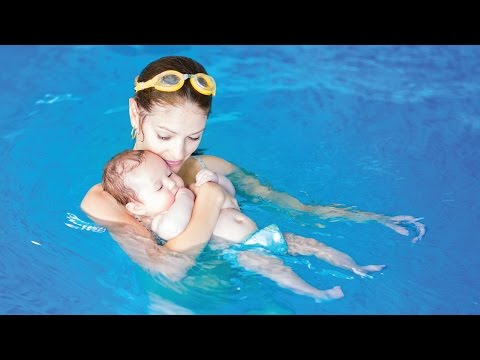 How to Introduce a Baby to Swimming: Walk floating on their back