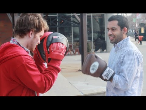 How to Fight | Beginners Learn How to Box in 5 minutes