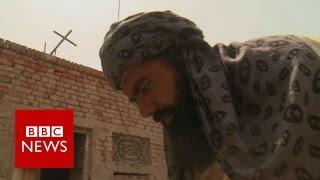 Pakistani Muslims build Christian church - BBC News