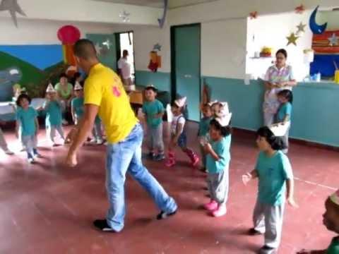 Recreaci n dirigida en jardines payasos titeres for Cascanueces jardin infantil medellin