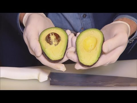 How To Properly Cut An Avocado So You Don't Cut Yourself Like Meryl Streep Did