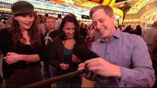 Pickpocket steals in Las Vegas - Magician Ben Seidman