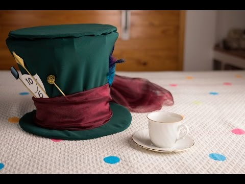DIY Mad Hatter Hat | Liliana Alves