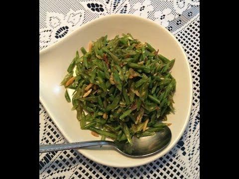 Fasolka z migdałami / green beans with almonds