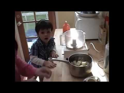 Kate's Kitchen: How to Make Pear Baby Food.m4v
