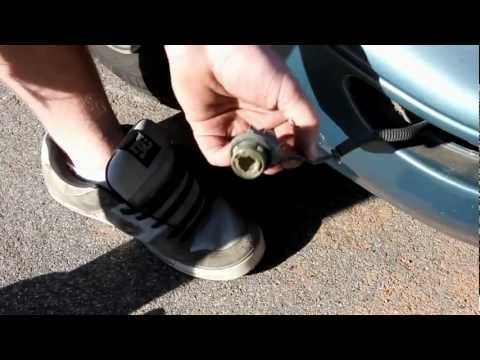 How to Replace Front Turn Signal Corolla & Fix Bulb Wiring 93-97