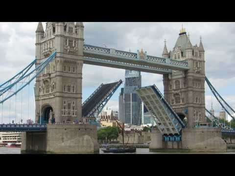 Tower Bridge London Opening and Closing