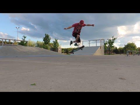I'm back & I moved beside a Skatepark!