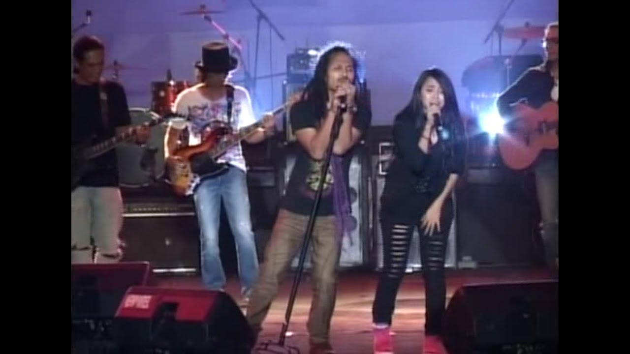 Download Pay, Dewiq, Ipang - Ada Yang Hilang (The Noise Of Unity) MP3 Gratis