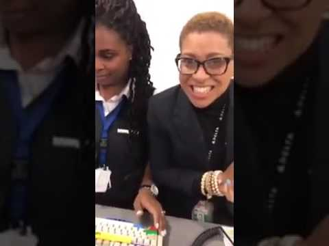 Delta Airlines Agent Makes The Best Of Being Put On Camera By A Dissatisfied Customer  New Video