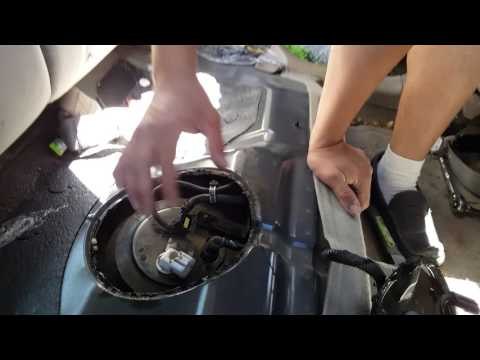 How to remove the fuel sending unit on a 2005 Kia Spectra