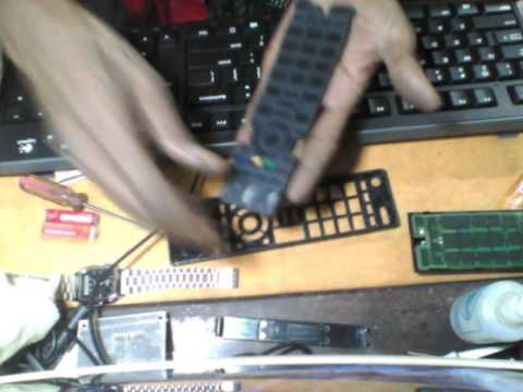 How to open and clean a remote control - Toshiba CT90336 - HPWebcamVideo 0000