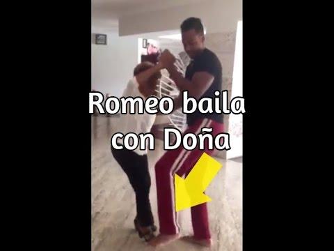 Video – Romeo Santos, descalzo y relax, bailando con doña en Casa de Campo