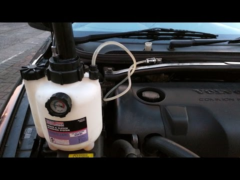 One Man Pressure Brake Bleeding With Sealey VS820