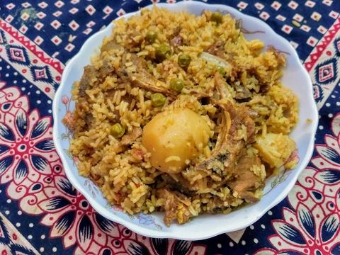 Mutton\Beef Aloo Matar Pulao || Gosht Pulao || Potato Peas Meat Pulao