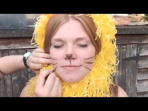 How to make a budget fancy dress outfit