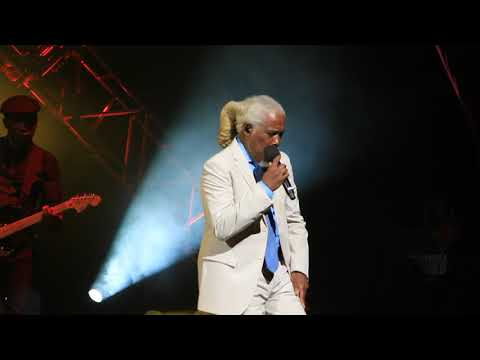 BILLY OCEAN LIVE AT EPCOT 2017 GET OUTTA MY DREAMS