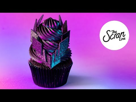IN HIS KISS 'CHER' CUPCAKES- The Scran Line