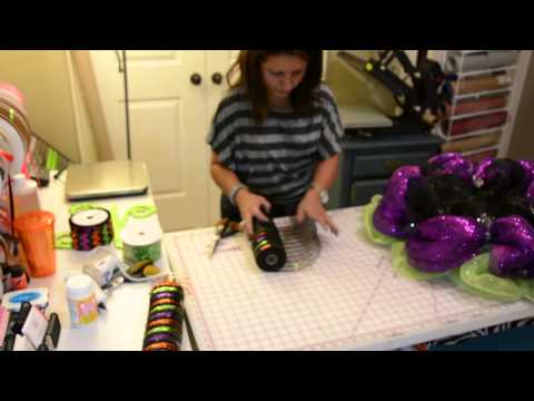 How to Make a Halloween Wreath With Deco Mesh