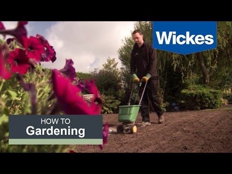 How to Prepare for Laying Turf with Wickes