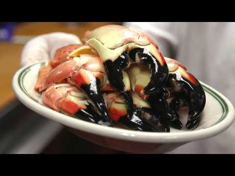 How to Crack a Stone Crab from Joe's Seafood