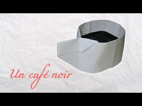 Origami ! Une tasse de café noir.