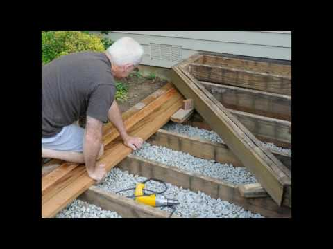 build deck stairs