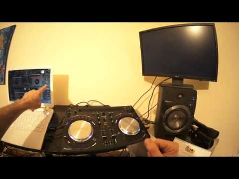 DJ MIXING TUTORIAL VIRTUAL DJ LOOPING AND ADDING AN EFFECT