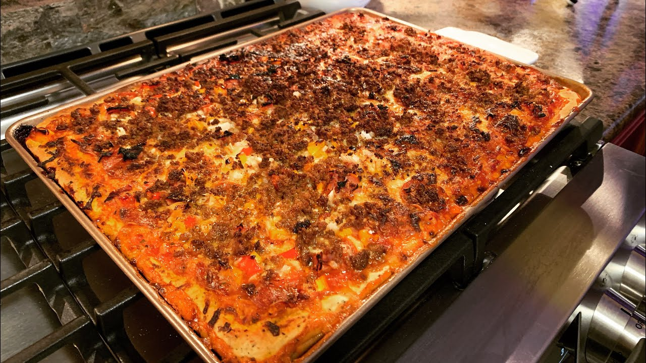 Easy Homemade Pizza ~ The Kneady Homesteader