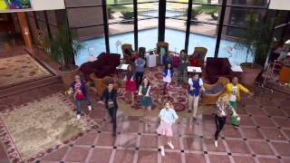 "Виолетта 3 - Ребята поют ""En Gira"" - серия 3"