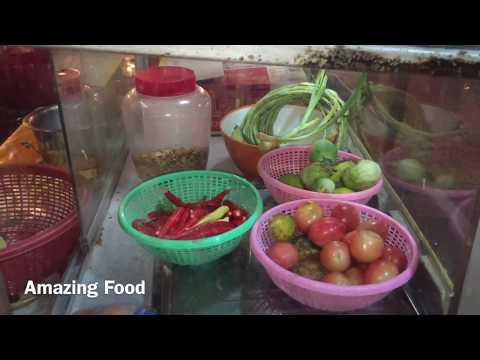 Papaya salad Laos street food dinner