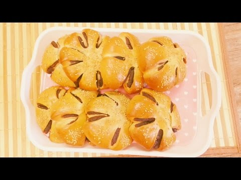 FLOWER RED BEAN BUNS